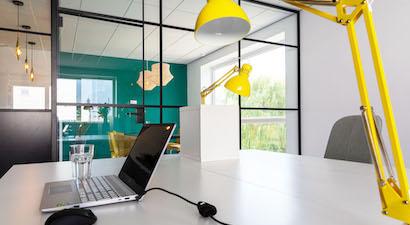 Een eigen bureau in de flexibele kantoorruimte van Flexy Workspace