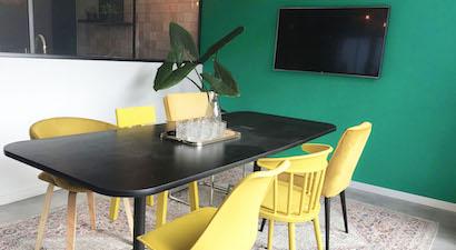 Een vergaderruimte in de flexibele kantoorruimte van Flexy Workspace